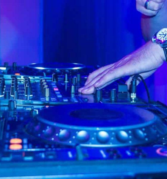 DJ na wesele czy Wodzirej?