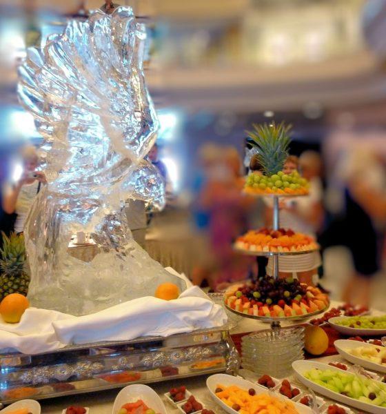 Pokaz rzeźb lodowych na Twoim weselu