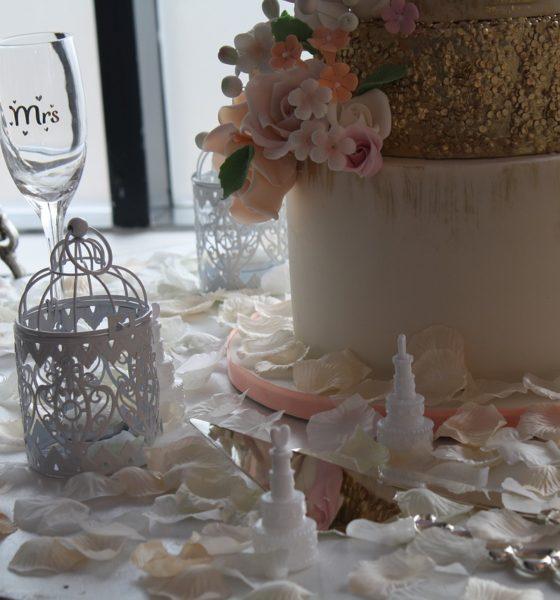 Dekoracje weselne – motyw glamour