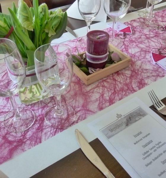 Ciekawe przykłady kart i tablic z menu weselnym