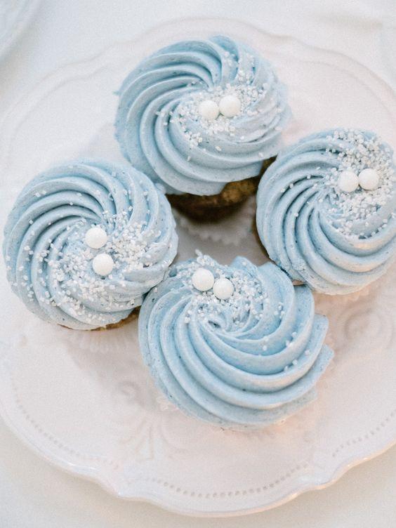 błękit kolorem wesela zimą