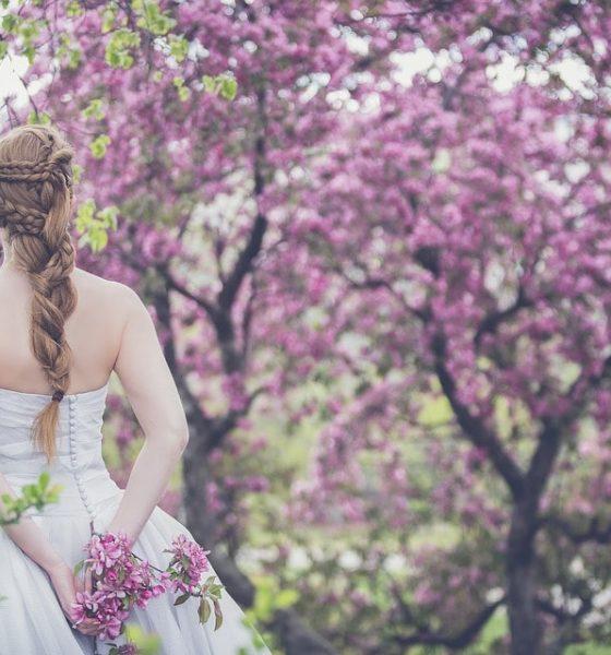 Fioletowe love, czyli fiolet na ślubie i weselu