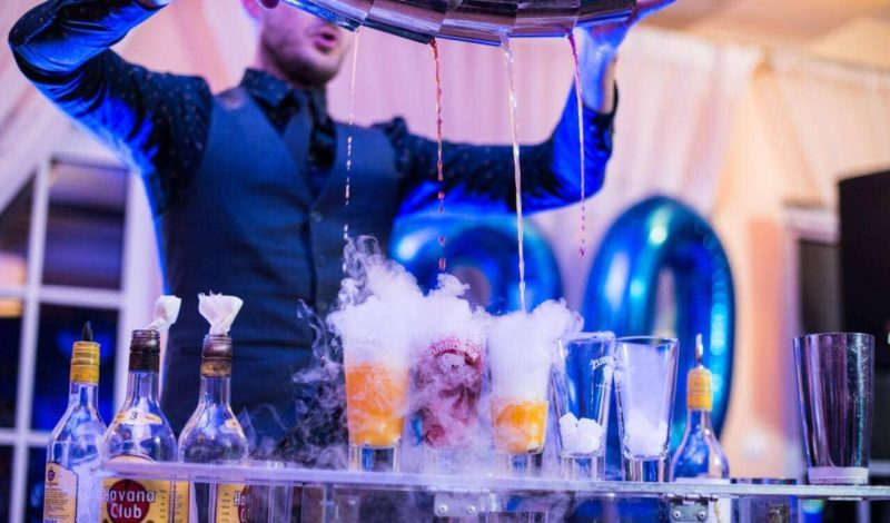 Barman na weselu – czy warto wynająć drink bar? Jedno pytanie i przynajmniej 3 argumenty na TAK