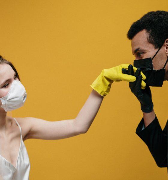 Zaręczyny w domu w czasach pandemii? To nawet wskazane!